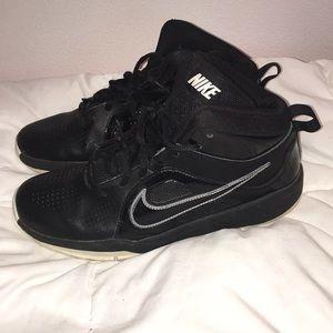 Nike boys tennis shoes size 6y